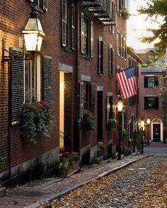 Boston in November. Acorn Lane, Boston, MA. Beacon Hill is beautiful for wandering around on foot.