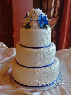 Royal Blue Wedding Cakes | ... monument to love, the Taj Mahal, inspires these wedding table linens