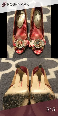 Chinese Laundry Rockabilly Style Pumps size 10 Straw style Pumps with  adorable rhinestone embellishment offering a
