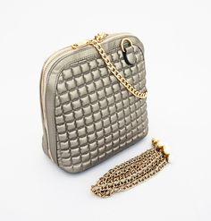Adelaine Korean Bag, mewah cantik. Good quality, bahan tebal. Ada 2 tali rantai, tenteng dan selempang. Silver. Uk 21x9x22