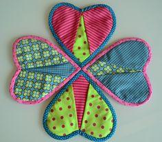 Manique coeur pour la cuisine en cotonnade colorée : Cuisine et service de table par les3sardines