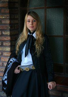 vestida para la fiesta gauchesca/ women with gaucho outfit traditions of Argentina