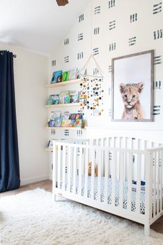Boys Room Wallpaper, Accent Wallpaper, Room Wall Painting, Nursery Paintings, Bright Nursery, Nursery Neutral, Baby Boys, Accent Wall Bedroom, Decoration