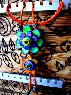 Colgantes - colgante flores cerámica - hecho a mano por arte-en-madera en DaWanda