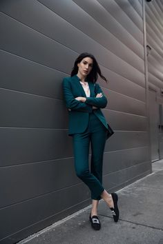 99 Trendy Spring Work Outfits Ideas To Achieve A Career A work outfit is usually a uniform. Most companies for some reason would like to require work uniform outfits for … Business Outfit Damen, Business Outfits, Business Fashion, Business Attire, Business Look, Business Dresses, Suit Fashion, Work Fashion, Trendy Fashion