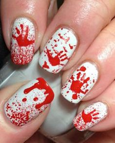 Un Nail art sanglant pour Halloween #nailart #halloween #sang #beauté #monvanityideal