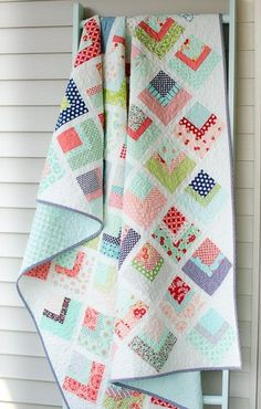 Hyacinth Quilt Designs: Quarter Log Cabin Quilt