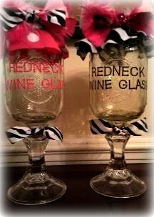 totally going to make me some redneck wine glasses! Redneck Wine, Candlesticks, Wine Glass, Mason Jars, Crafty, Country, Glasses, Tableware, Diy