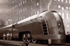 """Изначально понятие """"аэродинамика"""" было применительно к воздушным судам, использующим ее для уменьшения сопротивления воздуха. Термин стримлайн модерн стал активно использоваться в отношении высокоскоростных железнодорожных поездов с 1930 по 1950 год и их преемников """"сверхскоростных пассажирских экспрессов"""".     Высокоскоростной электропоезд серии"""