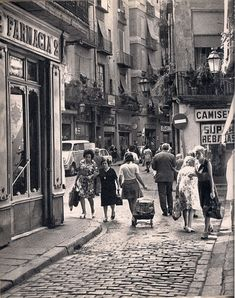 """Plaça de la Llana"", Barcelona, // Foto F. Barcelona City, Barcelona Catalonia, Barcelona Travel, Old Photography, Street Photography, Old Pictures, Old Photos, Vintage Photographs, Vintage Photos"