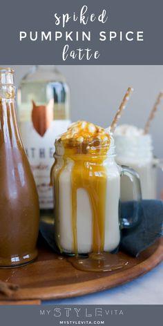 Easy spiked pumpkin spice latte recipe, copycat Starbucks pumpkin spice latte, spiked holiday drinks - My Style Vita @mystylevita #holidays #cocktails #psl #pumpkin