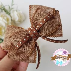 Ribbon Bows: 100 Inspirations and Tutorials to Pump Up Your Production! Making Hair Bows, Diy Hair Bows, Diy Bow, Ribbon Hair, Ribbon Bows, Hair Barrettes, Hair Clips, Hairbows, Felt Hair Accessories