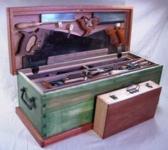 I love the workmanlike nature of this green Cabinetmaker's Chest. Reminds me of the one my great grandpa had.
