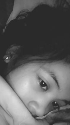Sleep 😴😴😴😴 Cute Girl Photo, Girl Photo Poses, Girl Photos, Cute Japanese Girl, Cute Korean Girl, Sad Girl Photography, Fake Girls, Gangsta Girl, Ulzzang Korean Girl