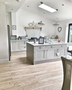 23 Rustic Country Kitchen Design Ideas to Jump Start Your Next Remodel - The Trending House Open Plan Kitchen Living Room, Home Decor Kitchen, My Living Room, Interior Design Kitchen, Kitchen Furniture, New Kitchen, Home Kitchens, Country Kitchen Diner, Grey Kitchen Cupboards