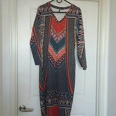 Beautiful dress Multi color poly/spandex fits perfectly Dresses Long Sleeve