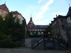 Laubach in Hessen, Fachwerkidyll mit Schloss und großem Park