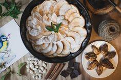 Готовим вместе: пирог с яблоками и инжиром Apple Pie, Camembert Cheese, Dairy, Desserts, Recipes, Food, Tailgate Desserts, Deserts, Recipies