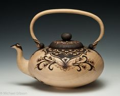 Michael and Cynthia Gibson 'Imperial Tea'. Bradford Pear Turned and carved with Pyrography Michael Gibson, Teapots Unique, Ceramic Teapots, Pottery Teapots, Tea Pot Set, Teapots And Cups, Tea Art, My Cup Of Tea, Tea Service