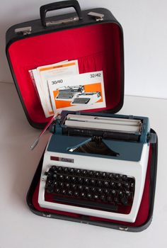 Vintage Manual Typewriter, Working Typewriter, Erika Daro Typewriter, Office Home Decor, Studio Decor, QWERTZ Keyboard by TheThingsThatWere on Etsy https://www.etsy.com/listing/219924142/vintage-manual-typewriter-working