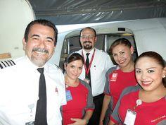 VivaAerobus 737 crew by Just Planes