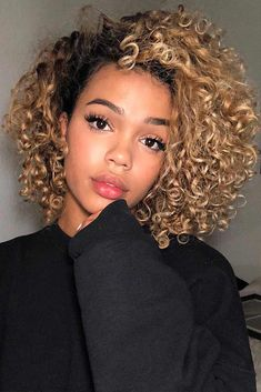 36 latest short hair trends for winter 2017 - 2018 hair Curly Hair With Bangs, Curly Hair Cuts, Short Curly Hair, Hairstyles With Bangs, Curly Hair Styles, Cool Hairstyles, Natural Hair Styles, Black Hairstyles, Thin Hair