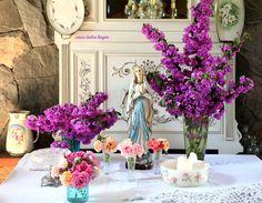 How to Set Up a Catholic Home Altar S Tarver Catholic Altar, Catholic Prayers, Catholic Saints, Roman Catholic, Prayer Corner, Lady Of Lourdes, Home Altar, Prayer Room, Meditation Space