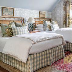 Guest Bedroom Decor, Cozy Bedroom, Guest Bedrooms, Master Bedroom, Guest Room, Cottage Interiors, Classic House, Bedroom Styles, Beautiful Bedrooms