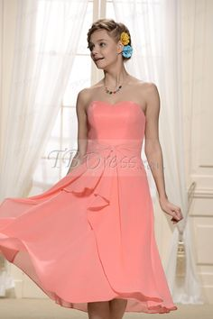 Charming Tiered Pleats Sweetheart Neckline Tea-Length Bridesmaid Dresses