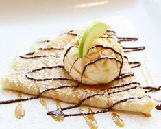 breakfast homemade crepes recipe sweet Homemade Sweet Crepes Recipe Breakfast Crepes Recipe You can find Breakfast and more on our website Breakfast Crepes, Crepes And Waffles, Breakfast For Kids, Crepe Recipes, Dessert Recipes, Sweet Crepes Recipe, Homemade Crepes, Homemade Recipe, Sweet Recipes