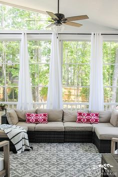 Turn your porch or outdoor space into a cozy retreat with outdoor curtains! Quickly add privacy and shade to your screened porch, covered patio, or balcony with this affordable, beautiful and weatherproof 'how to hang outdoor curtains' tutorial. Sunroom Curtains, Sunroom Windows, Porch With Windows, Screened Porch Curtains, Sunroom Window Treatments, White Curtains, Window Coverings, Three Season Porch, Three Season Room