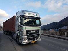 Happy first February #transport #container #daf #power #europe thanks to our driver for this nice picture 👍🏼😎