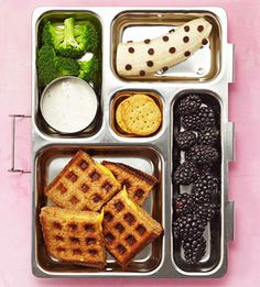 Waffle grilled cheese bento box Fed up with ham sandwiches day after day? Your kid's lunch will never be boring if you mix and match these 50 ideas to create fun and healthy bento-box combos for school. Bento Box Lunch For Kids, Kids Lunch For School, Healthy School Lunches, Lunch Snacks, Clean Eating Snacks, Kid Lunches, Kid Snacks, School Snacks, Bento Lunch Ideas