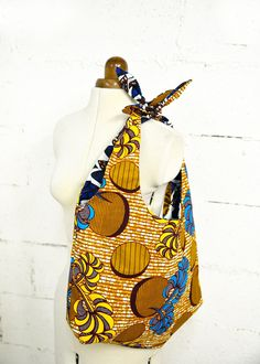 diy sac wax reversible c outure Bag Patterns To Sew, Sewing Patterns, Ankara Bags, Diy Purse, Creation Couture, African Jewelry, Fabric Bags, African Fabric, Ankara Fabric