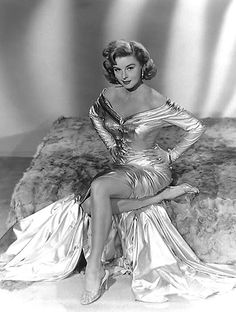 Elaine Stewart was an American actress and model, primarily in the and Stewart was also known as the co-hostess on two game shows. Old Hollywood Movies, Old Hollywood Glamour, Golden Age Of Hollywood, Vintage Glamour, Vintage Hollywood, Hollywood Stars, Vintage Beauty, Classic Hollywood, Vintage Fashion