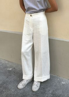 "#newarrivals #white #loosefit #relaxed #trousers #nopromise #korea #thefrankieshop frankienyc #frankiegirl Lightweight Linen-Like Trouser w/2 Side Pockets. Fully Lined. Relaxed, Loose Fit Ramie Blend S/28"" Waist, M/30"" Waist, 26"" Inseam Length Dry Clean By No Promise. Imported"