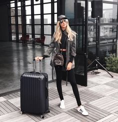 """12k Likes, 60 Comments - Carly Cristman (@carlycristman) on Instagram: """"stepping up my airport outfit pictures today with @delta at the #DeltaAltitudeLounge! Come hang…"""""""