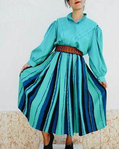 New vintage outfit #ootd #vintageclothes #vintageshirt #vintageskirt #80s #80sfashion #maisonretrovintage #vintageshop #retroclothes #vintageforsale #womanclothes #modavintage