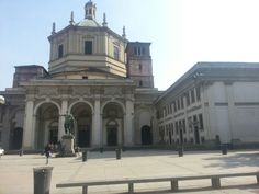 Colonne di San Lorenzo,the place where you can get a drink with your friends or an aperitif