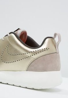 official photos 5df87 81bd8 Dames Nike Sportswear ROSHE ONE PREMIUM - Sneakers laag - stringmetallic  gold green ...
