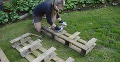 How To Upcycle Pallets Into Strawberry Pallet Planters {Brilliant Gardening Project}