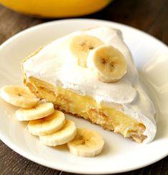 Peach dumplings made easy- use refrigerated crescents as the sweet dough wrapped around a warm peach. Easy Banana Cream Pie, Banana Cream Cheesecake, Banana Pie, Baked Banana, Pie Recipes, Sweet Recipes, Dessert Recipes, Desserts, Deserts