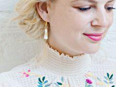 Crafttool - Find and Share DIY Projects Diy Shrink Plastic Rings, Diy Earrings, Teardrop Earrings, Diy Hanging Planter, Scarf Tutorial, Shirt Hair, Simple Embroidery, Gold Diy, Diy Crochet