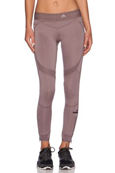 Yoga Clothes : adidas by Stella McCartney Running Tight in Cement Grey Sport Fashion, Fitness Fashion, Womens Fashion, Gym Fashion, Adidas Stella Mccartney, Modelos Fitness, Gym Style, Gym Wear, Sport Wear