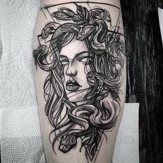 Medusa tattoo on thigh Badass Tattoos, Body Art Tattoos, Sleeve Tattoos, Tatoos, Tattoo Sketches, Tattoo Drawings, Future Tattoos, Tattoos For Guys, Tatuaje Art Nouveau