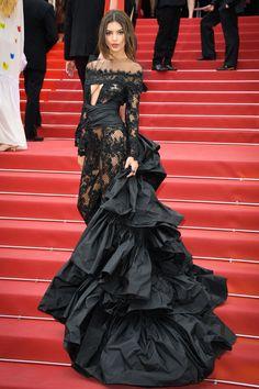 EmRata has shut down the Cannes red carpet.