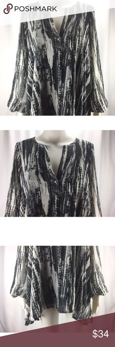 Show Me Your Mumu Sz S Reptile Print Blouse Very nice gently used condition.  Measurements (taken in inches):  Bust/Chest – 38  Length from shoulder – 28  Arm length – 24 Show Me Your MuMu Tops Blouses