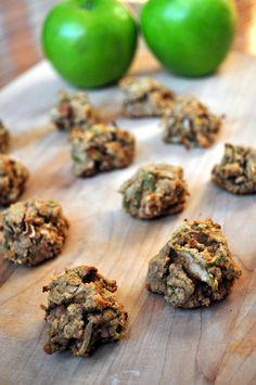 Apple Cinnamon cookies (banana, almond butter, apple, cider vinegar, coconut flour)