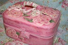 vintage train case hand painted with roses     carolesdesigns