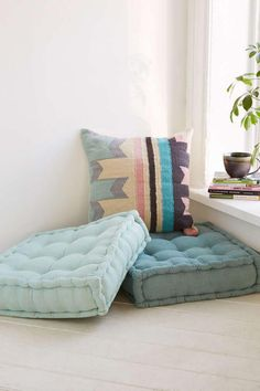 Floor pillows provide the ideal solution in this respect. It isn't as difficult as you might think to have the ability to create your own floor pillows! Here are 12 strategies to produce your own floor pillows that even I'm… Continue Reading → Diy Dog Bed, Floor Seating, My New Room, Dorm Decorations, Dorm Room, Room Inspiration, Family Room, Room Decor, Interior Design